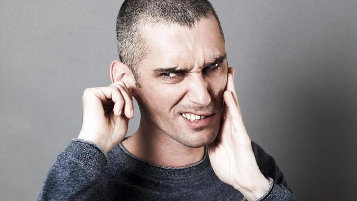 Ilustrasi sakit telinga