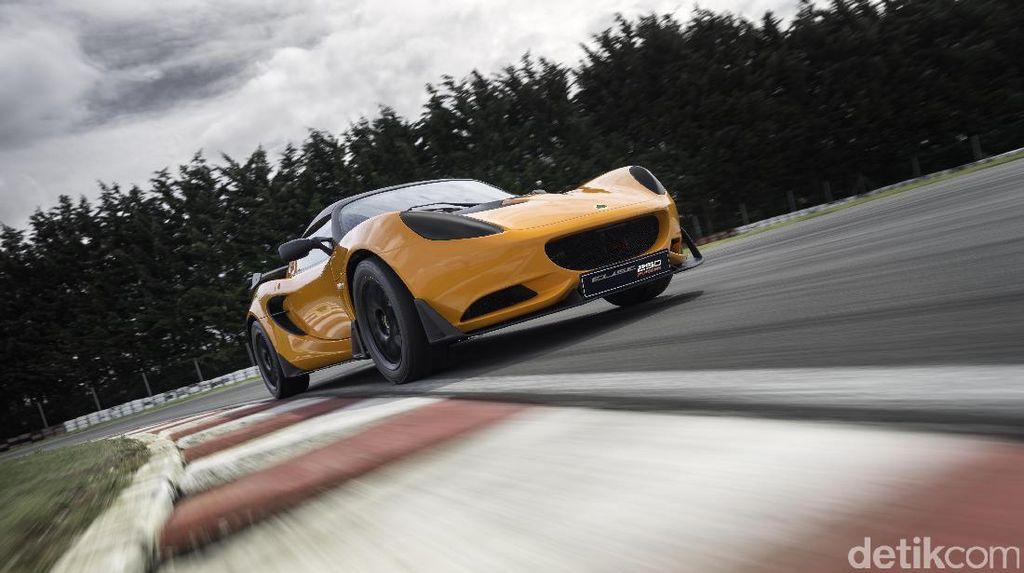 Lotus Ingin Saingi Ferrari