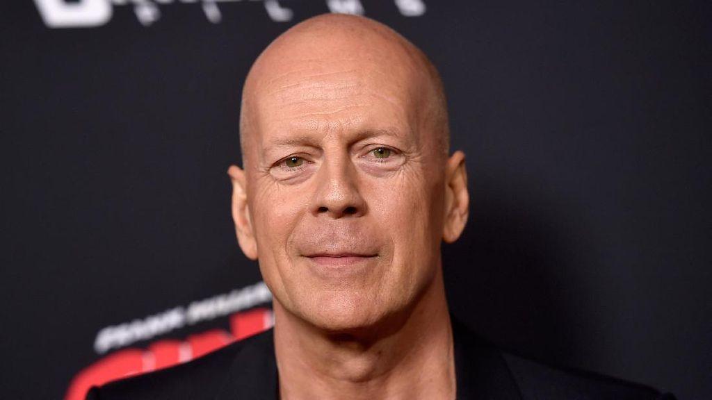 Saat Bruce Willis dan Mantan Istri Bersatu Lagi di Ultah Anak