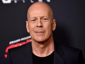 Bruce Willis Dikabarkan Diusir dari Toko Obat karena Tolak Pakai Masker