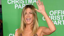 Terakhir Syuting Friends, Jennifer Aniston Ambil Lampu Neon