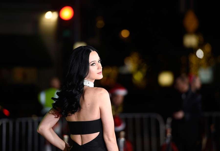 Katy Perry Pamer Punggung