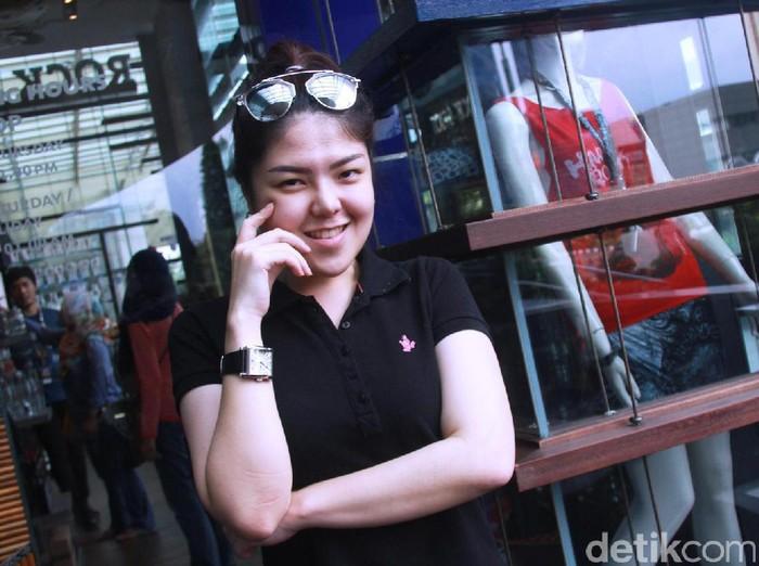Tina Toonita saat ditemui di Hard Rock. Jakarta