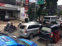 Pejalan Kaki Terlindas TransJ di Mampang, Lalin Arah Ragunan Macet Parah