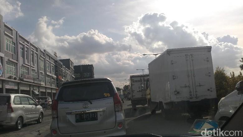 Long Weekend, Tol Jakarta-Cikampek Macet Sepanjang 36 Km