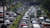 Exit Tol Ciawi Macet, Lalin ke Puncak Diberlakukan Buka-Tutup Jalur