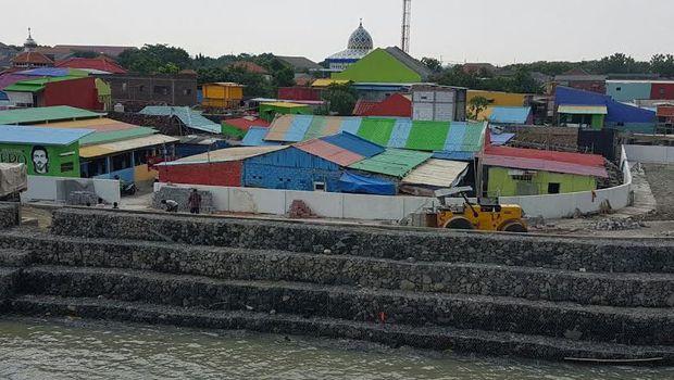 Kampung nelayan di Kecamatan Bulak dipermak