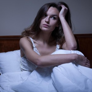5 Zodiak yang Sering Alami Insomnia, Sulit Tidur karena Banyak Pikiran