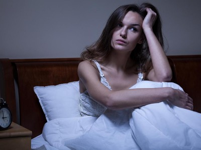 8 Alasan Kamu Terbangun di Tengah Malam