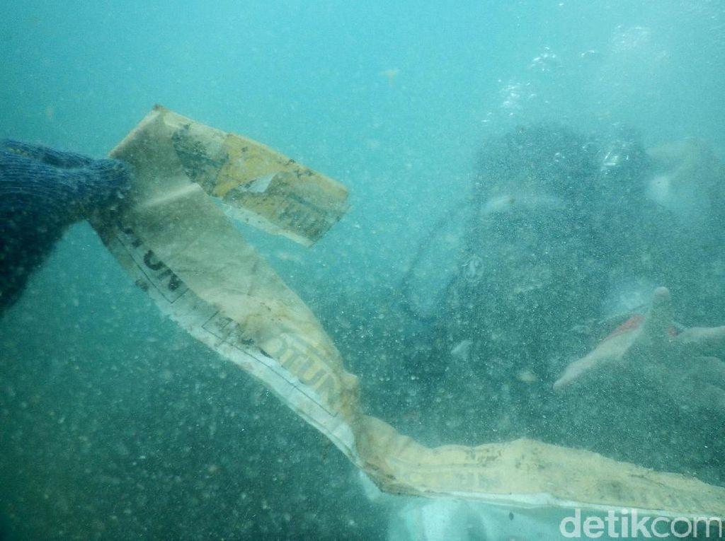 Sampah Plastik Samudera Pasifik Kini Hampir Seluas Indonesia