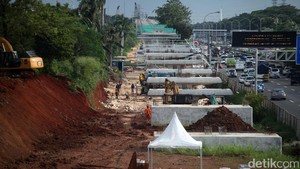 Sri Mulyani Temui Luhut Bahas Lahan Pramuka untuk LRT Jabodebek