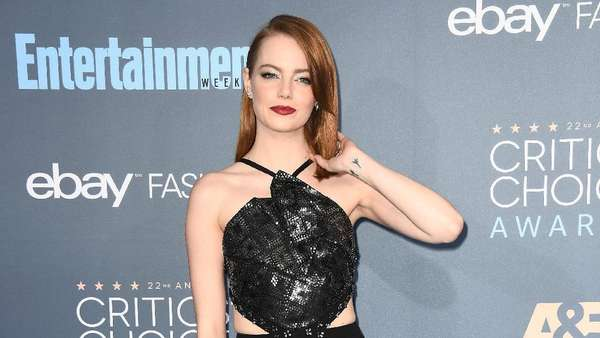 Parade Wanita Cantik di Critics Choice Awards 2016