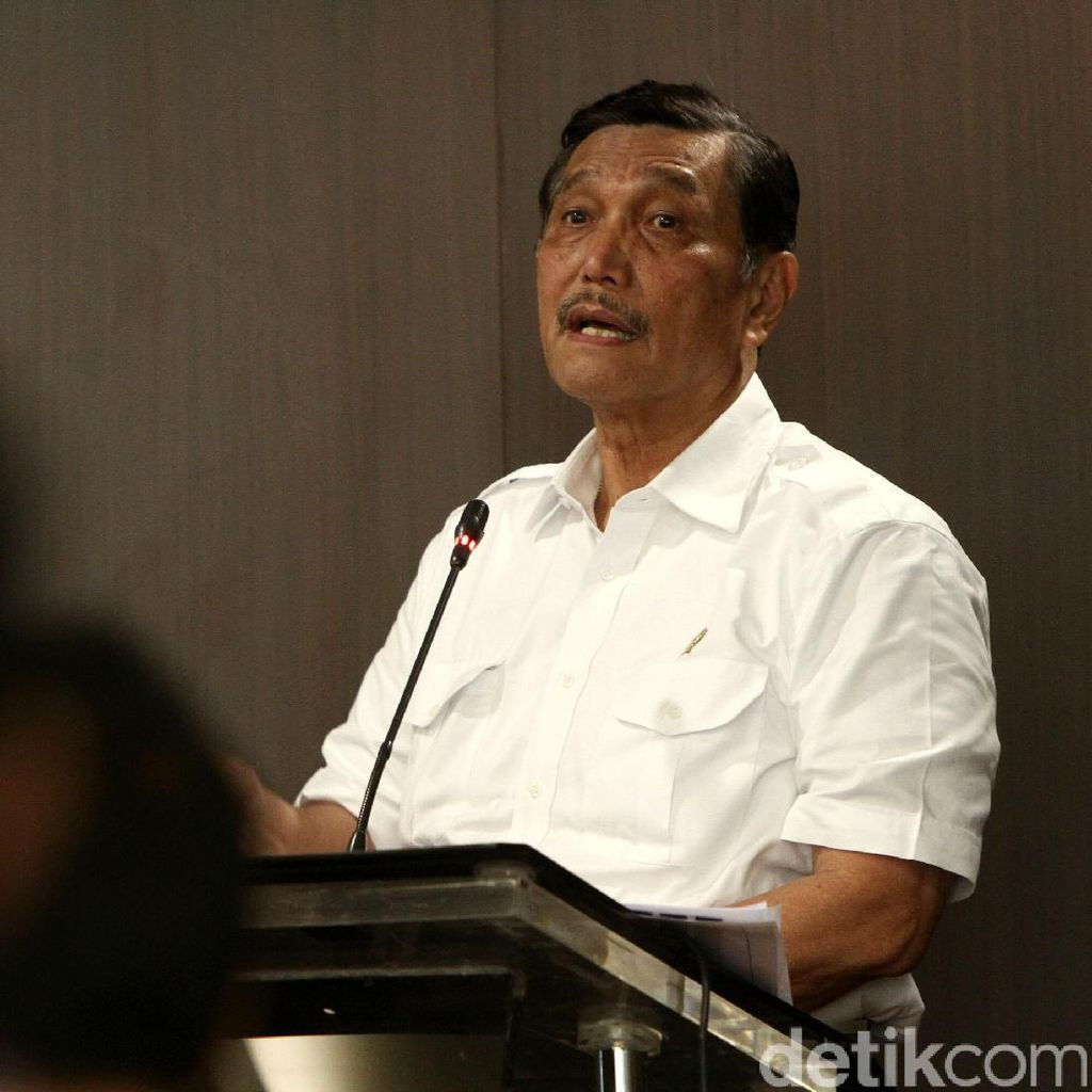 Luhut Bertemu Jokowi sampai Malam di Istana, Bahas Apa?