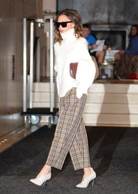 <i>Trend Alert</i>: Sepatu Model Unik yang Tengah Jadi Favorit Victoria Beckham