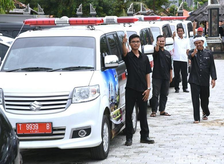 Hari Ibu, Pemkab Purwakarta Luncurkan Ambulan dan Dokter Khusus Lansia