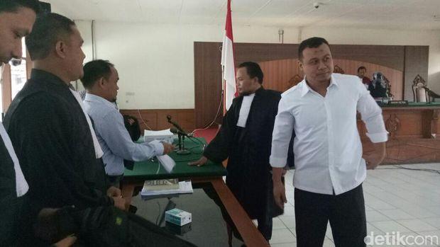 Sidang tuntutan Bupati Subang nonaktif Ojang Sohandi di Pengadilan Tipikor Bandung, Kamis (15/12/2016)