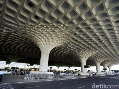Pesepakbola Ghana Terdampar di Bandara Mumbai Selama 74 hari