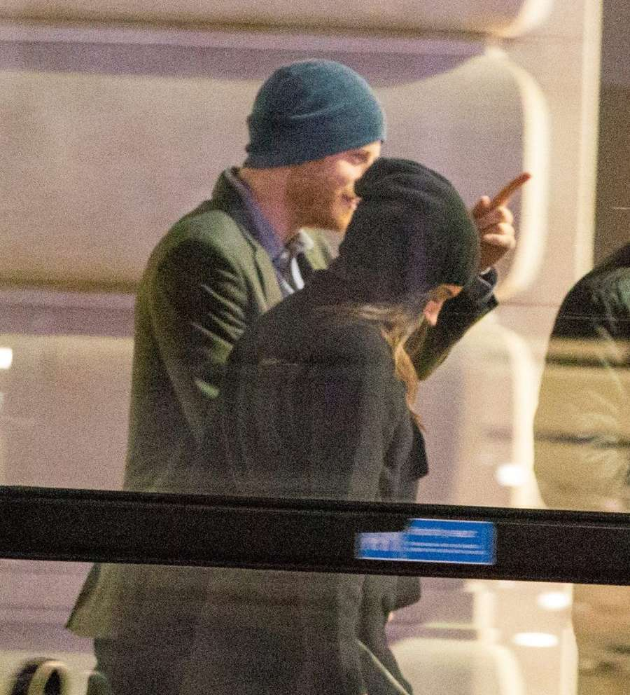 Throwback Moment! Kemesraan Pangeran Harry dan Meghan Markle
