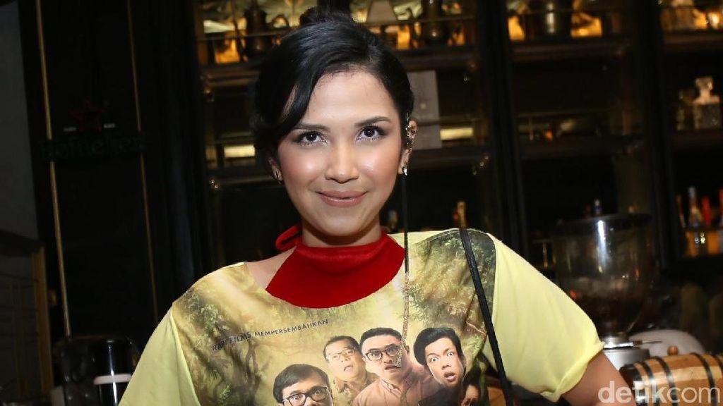 Resolusi 2019, Dinda Kanya Dewi akan Traveling ke Korea Utara