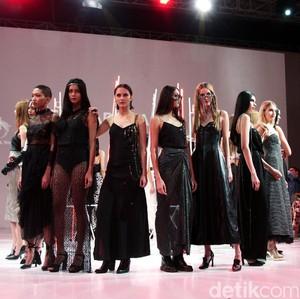 Desainer IPMI Rilis Trend Fashion 2019, Ivan Gunawan Ikut Pamer Koleksi
