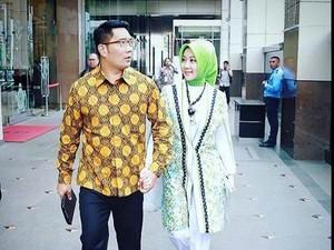 Selalu Mesra di Instagram, Ini Resep Tetap Romantis Ala Ridwan Kamil & Istri