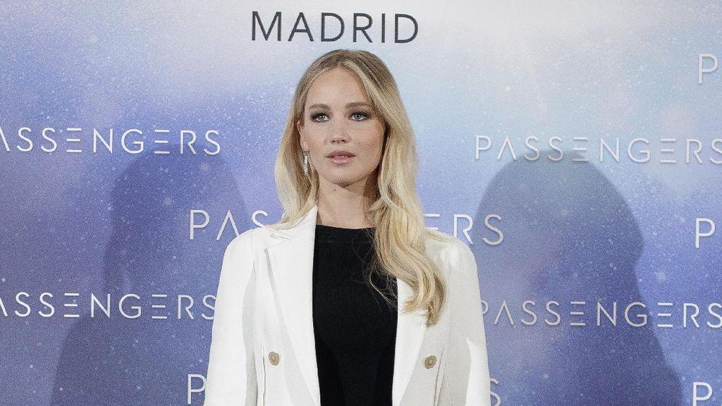 Ada Pertanyaan Soal Seks, Wawancara Jennifer Lawrence di Radio Diputus