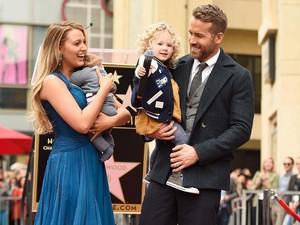 <i>Family Power</i>! Bahagianya Keluarga Ryan Reynolds