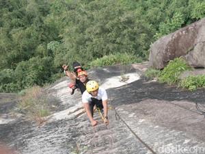 Long Weekend Ngeri-ngeri Seru di Via Ferrata Gunung Parang