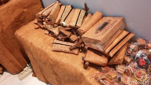 olah kulit kayu jadi produk bernilai jual pria ini raup omzet rp 30