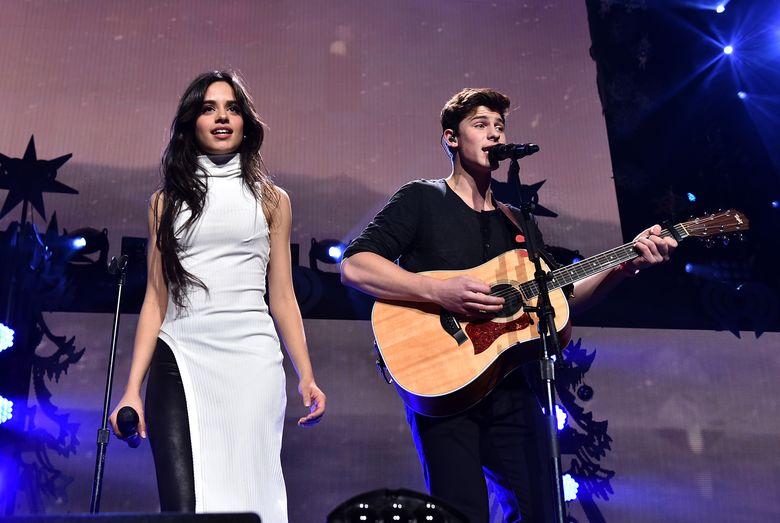 Camila memulai karier solonya dengan berduet bersama Shawn Mendez pada lagu I Know What You Did Last Summer pada tahun 2015. Kevin Winter/Getty Images for iHeartMedia/detikFoto.