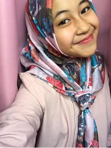 Foto: Cantiknya Anak Pelawak Kadir Hingga Cindy Fatikasari dengan Hijab Simpel
