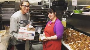 Cerita Collette, Gadis dengan Sindroma Down yang Sukses Jadi Pengusaha Kue