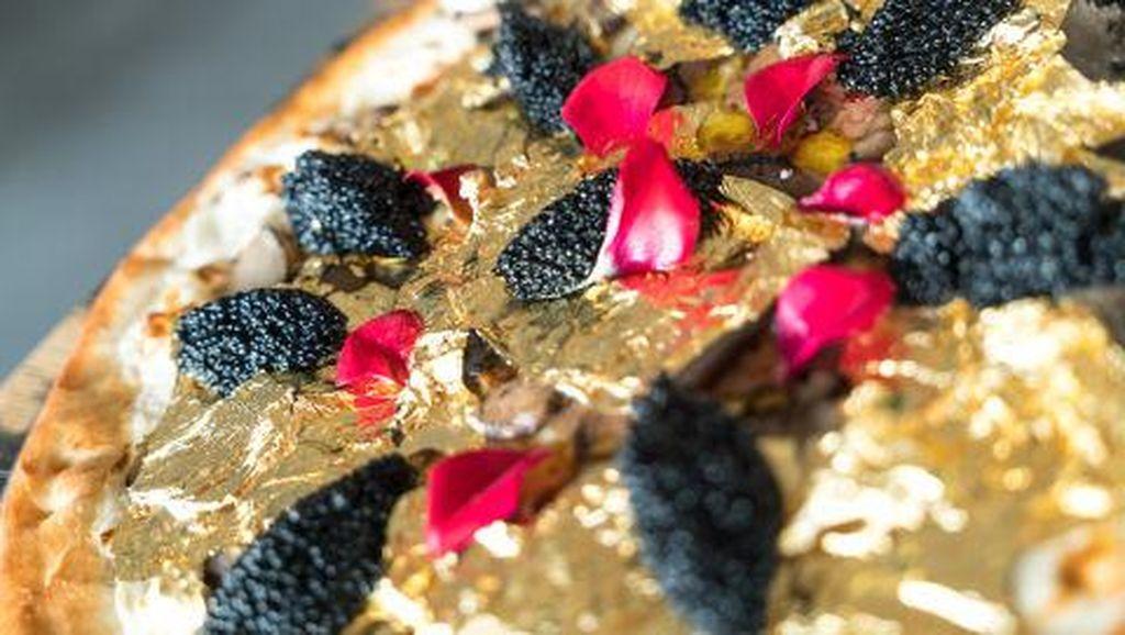Menyantap Bunga hingga Emas, Tren Kuliner yang Mendominasi Tahun 2018