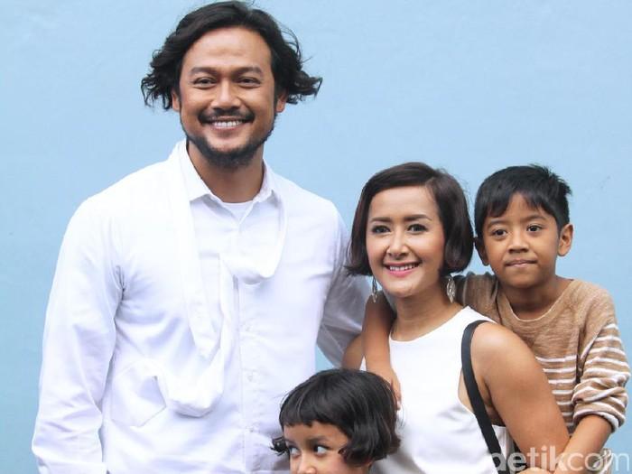 Dwi Sasono dan Widi Mulia ditemui di Trans TV, Kapten Tendean, Jakarta Selatan, Senin (19/12/16).