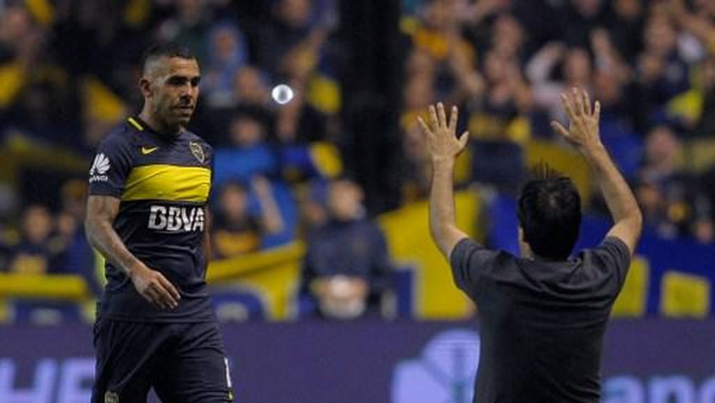 Suporter Boca: Jangan Pergi, Tevez!