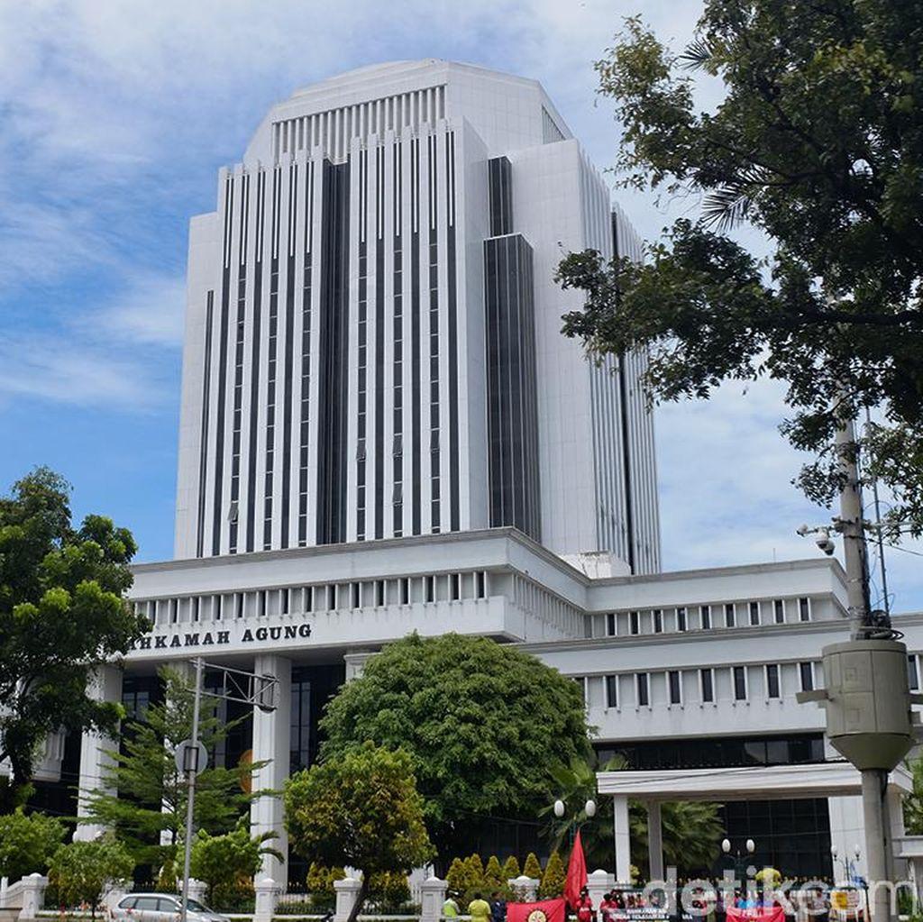 MA Tak Pecat Hakim yang Ajak Koleganya Mandi Bareng, KY Disalip?