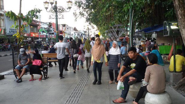 Asyik! Jalur Pedestrian di Malioboro Kini Makin Lebar