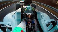 Rosberg Tancap Gas Pakai Mobil F1... Sambil Selfie!