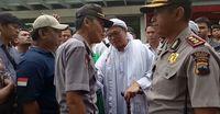 Debat Briptu Ali dengan Pimpinan Ormas yang Hendak Masuk Swalayan di Sragen