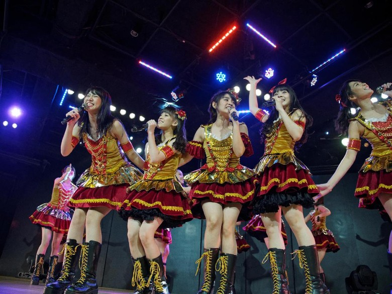 Single ke-15 JKT48 Luar Biasa