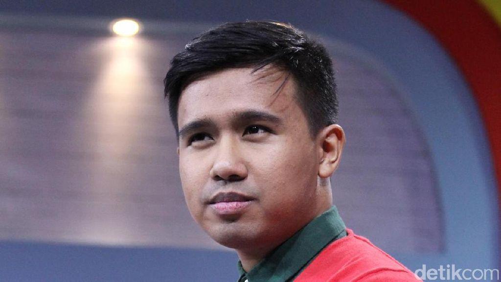Clairine Clay Balik ke Jakarta, Joshua Suherman Digoda Netizen