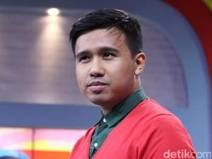 Joshua Suherman Pacaran dengan Clairine Clay Si Miss Meme Indonesia?