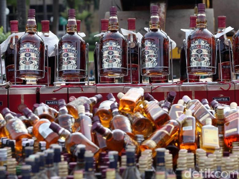 NTT akan Luncurkan Miras Sopiah, Kadar Alkohol 45 Persen