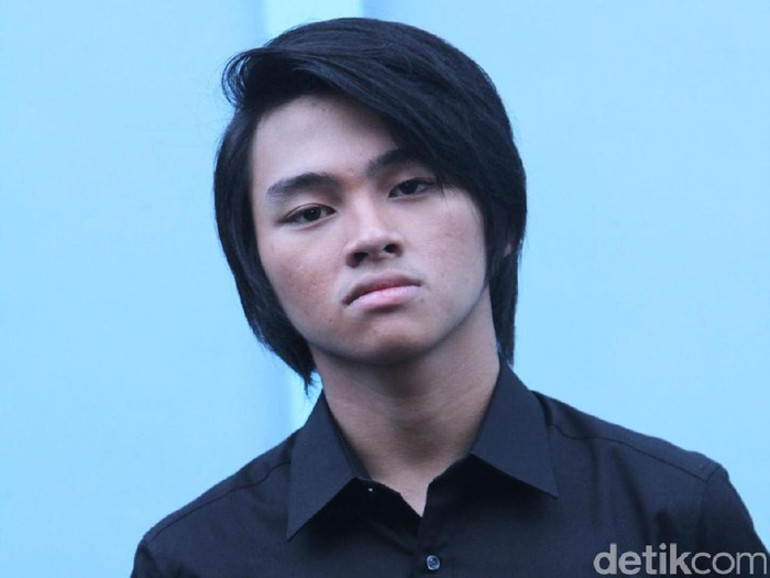 Alvaro Maldini Siregar atau di sebut Aldi CJR di Trans tv, Kapten Tendean, Jakarta Selatan, Jumat (23/12/16)