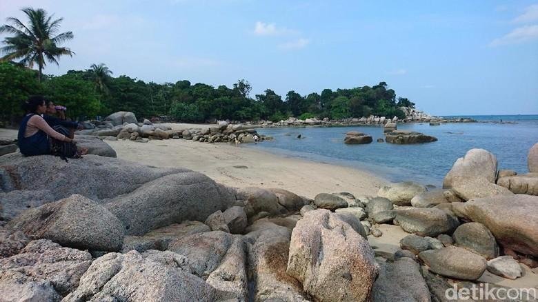Pantai Trikora di Pulau Bintan