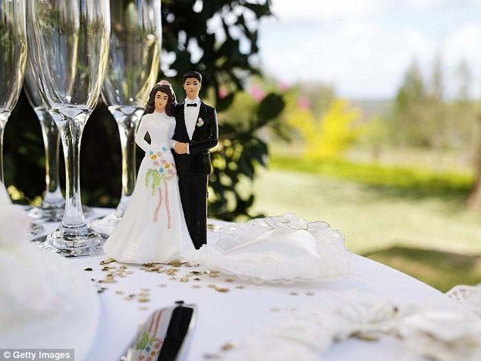 makanan bayar di pesta pernikahan
