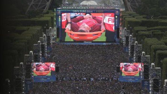 Ilustrasi giant screen (AFP PHOTO / GEOFFROY VAN DER HASSELT)