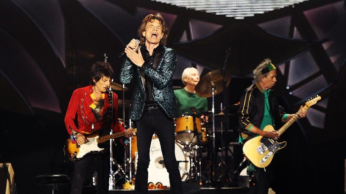 ADELAIDE, AUSTRALIA - OCTOBER 25:  The Rolling Stones perform live at Adelaide Oval on October 25, 2014 in Adelaide, Australia.  (Photo by Morne de Klerk/Getty Images)