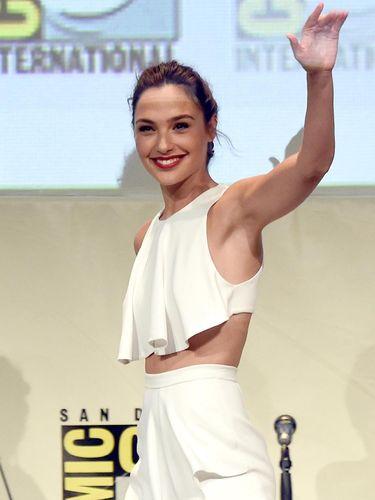 Punya Payudara Kecil, Gal Gadot Dianggap Tak Pantas Jadi Wonder Woman