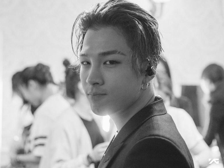 Hidung Berdarah karena Mic, Taeyang Tetap Profesional